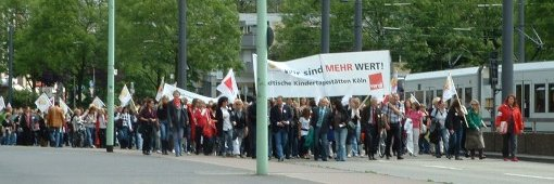 Demonstrationszug KITA